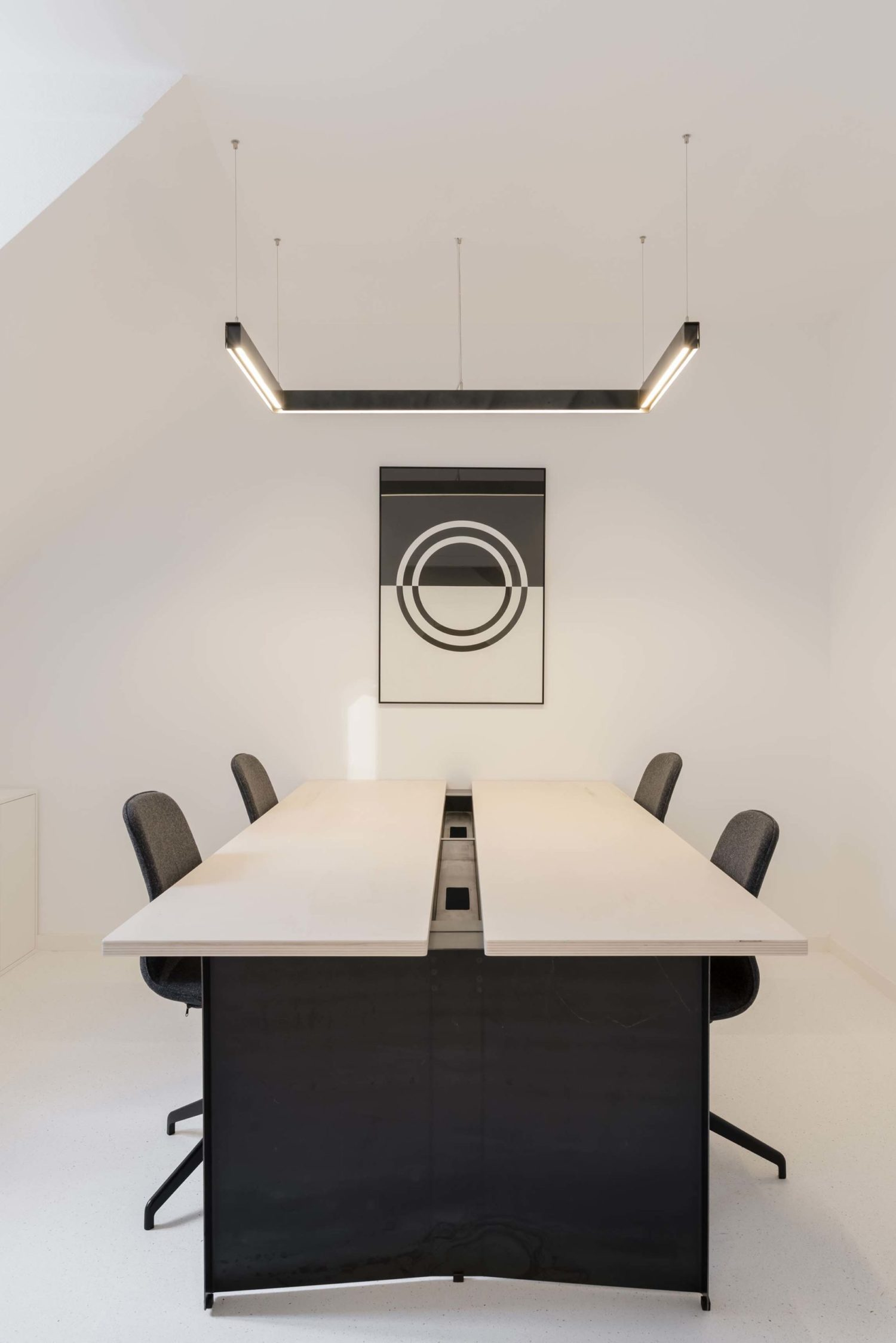 Salle-de-réunion-6-personnes-tactique